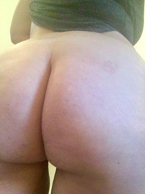 amateur photo would you spank me?