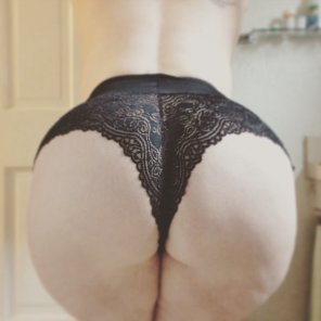 amateur photo Does my Thick Ass belong here? [OC - Hockey Player]