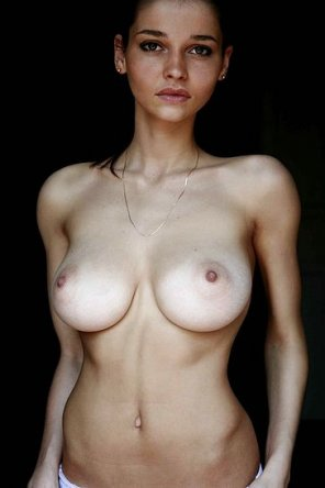amateur photo Beautiful face, superb tits