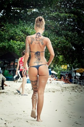 amateur photo Sexy tattoos with amazing body to match