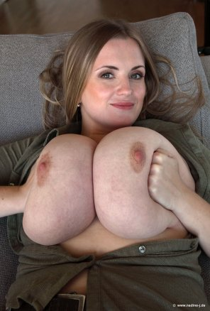 amateur photo Love the size of her huge tits