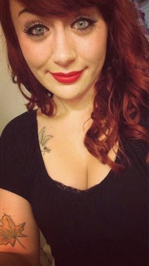 amateur photo Red hair selfie.