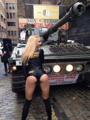 amateur photo Ughh I want a tank so bad