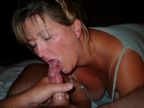 amateur photo That is the definition of cum hungry..