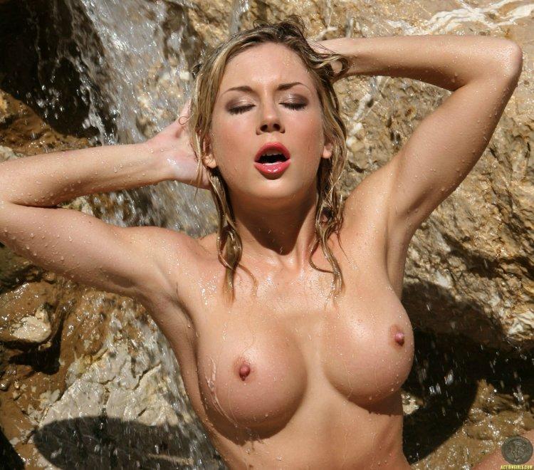 Julia Crown Porn Photo