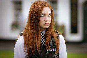 amateur photo Wide eyed Karen Gillan