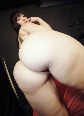 amateur photo Hand full of ass