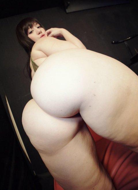 Hand full of ass Porn Photo