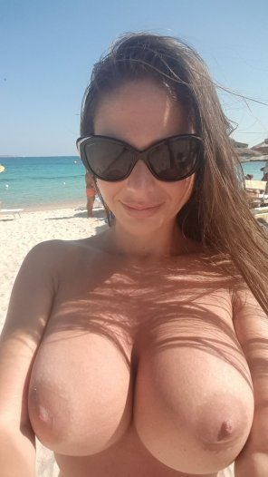 amateur photo Beach boobs