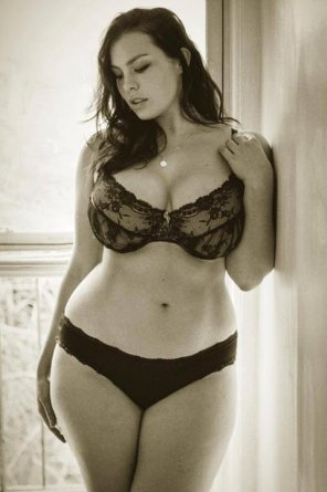 amateur photo Hot in lingerie.