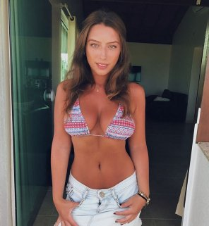 amateur photo Big boobs in bikini