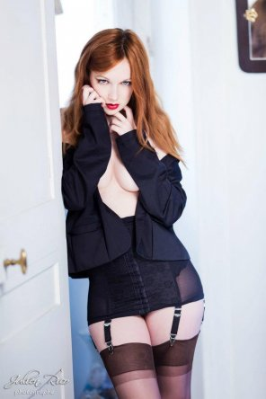 amateur photo Hot redhead in a garter belt