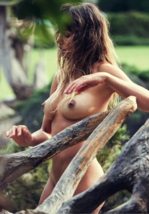 amateur photo Boobs and branches