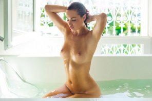 amateur photo Enjoying a bath