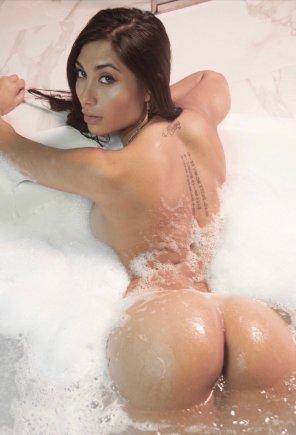 amateur photo Big Wet Butt