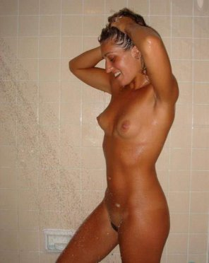 amateur photo Surprise shower inspection