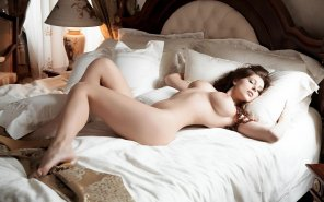 amateur photo Nude on bed
