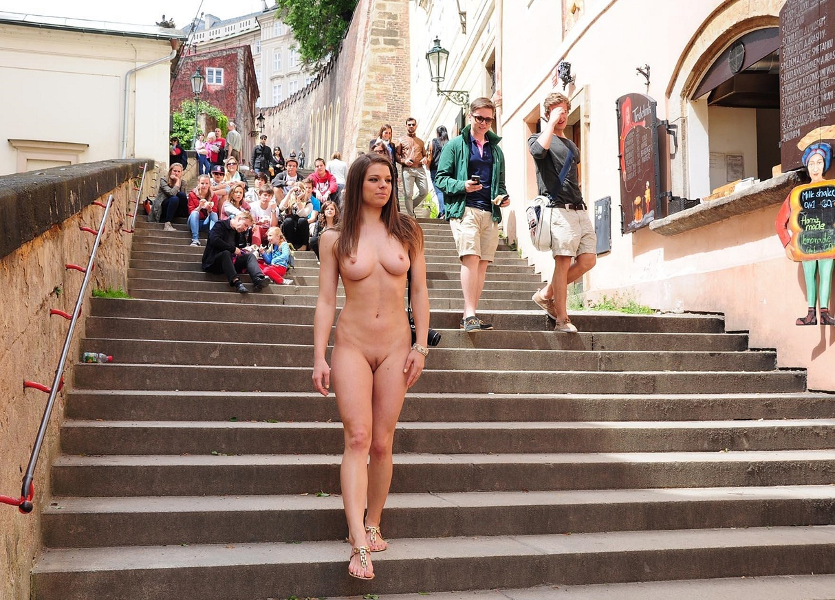 Girl Getting Naked Public