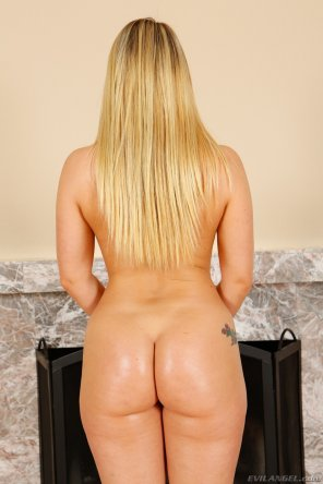 amateur photo More AJ Applegate