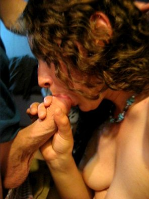 amateur photo Amateur brunette sucking like a champ