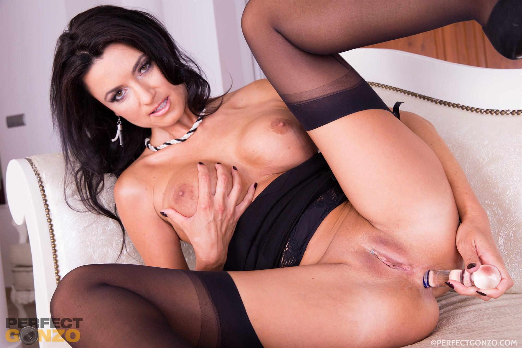 Ania Porn horny milf ania kinski aches for a huge cock porn pic - eporner