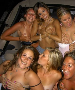 amateur photo Handbras only party