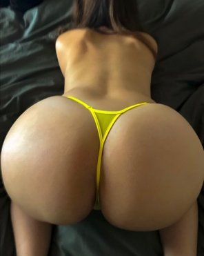 amateur photo Any love for some MILF booty??
