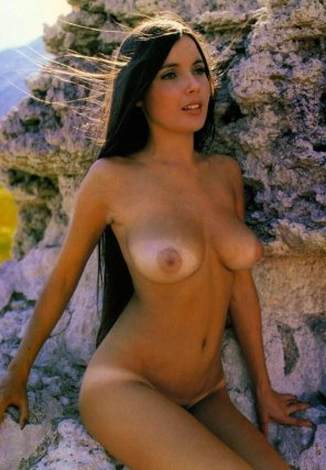 amateur photo Brunette by cropping