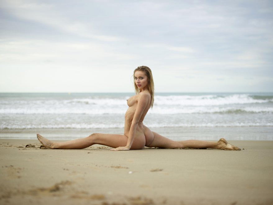Sandy Split Porn Photo
