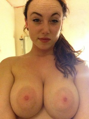amateur photo big tits, bigger nips [MIC]