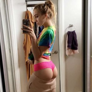 amateur photo Kendra Sunderland