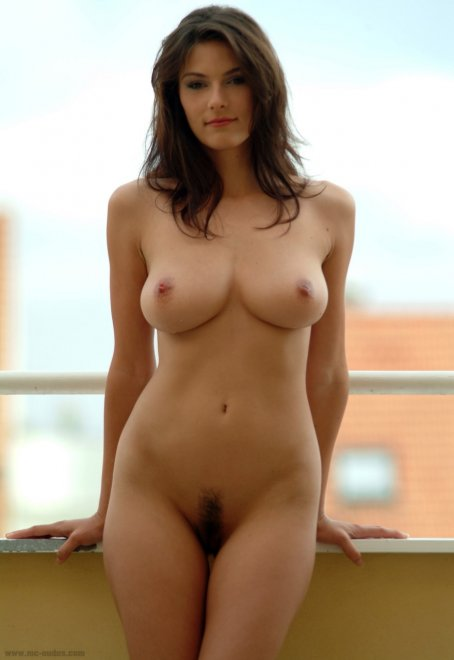 Hourglass Porn Photo