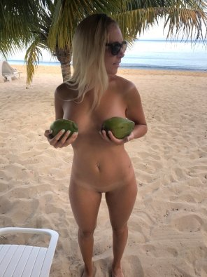 amateur photo Nice Coconuts!