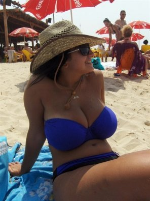 amateur photo Stunning beach body