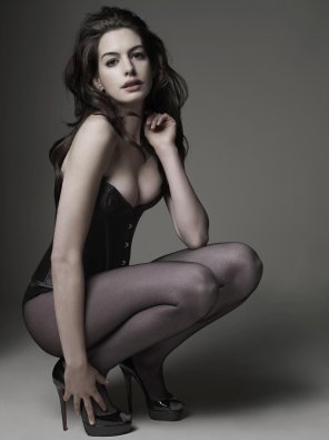 amateur photo Anne Hathaway in a Corset