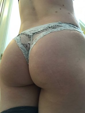 amateur photo Any love for my booty?