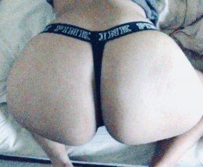 amateur photo Latina ass in PINK