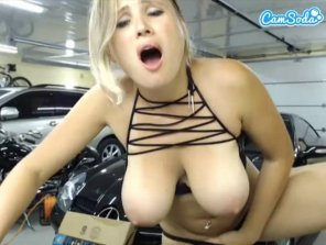 amateur photo [image] A blonde with some nice natural melons getting naughty in the garage