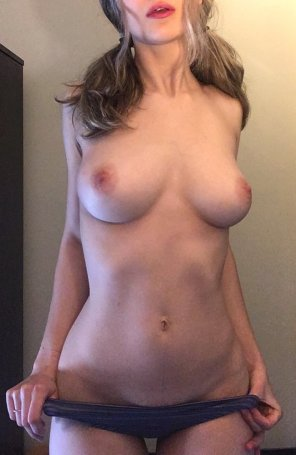 amateur photo throwback tits [f] 21