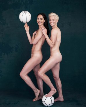 amateur photo ESPN's Body Issue features same-sex couple for the first time. Bird with the WNBA's Seattle Storm and Rapinoe with the NWSL's Seattle Reign.