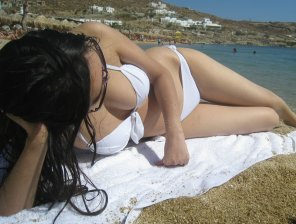 amateur photo Beach body ready in white