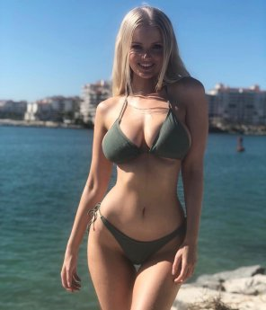 amateur photo Zienna Sonne Williams