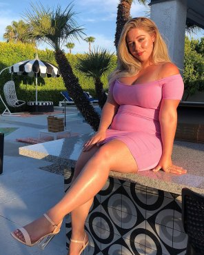 amateur photo Unbelievably gorgeous blonde in a tight dress