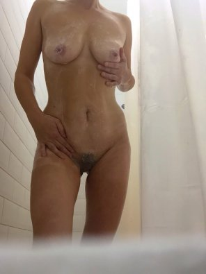 amateur photo Original Contentshower selfie