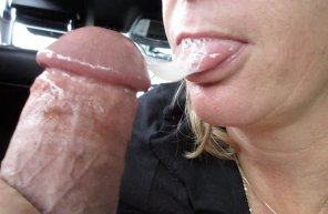 amateur photo GF Swallows My Cum for Lunch in the Car