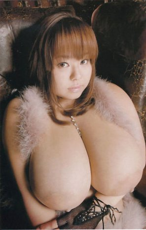 amateur photo big asian boobs