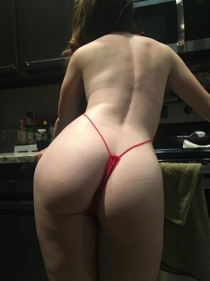 amateur photo Apple bottom string bikini [OC]
