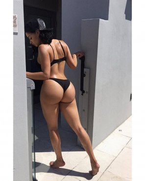 amateur photo Tori Hughes