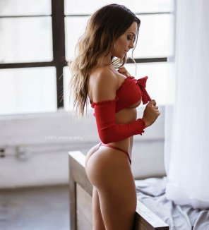 amateur photo Wearing red