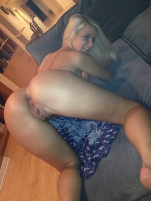 amateur photo Cute blonde bent over